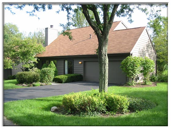 2 Bedroom St. Charles, IL Town House For Sale Presented By Peggy Cain.