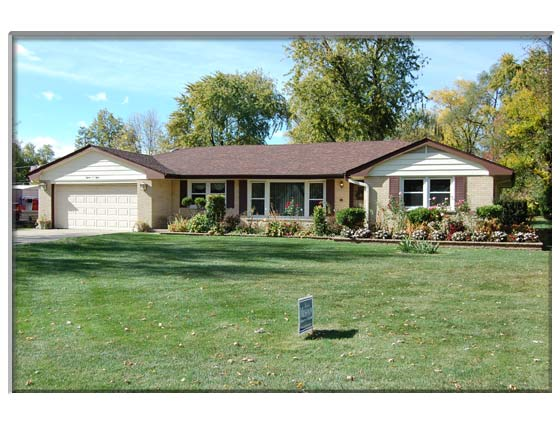 3 Bedroom Schaumburg. IL Home For Sale or Rent Presented By Peggy Cain.