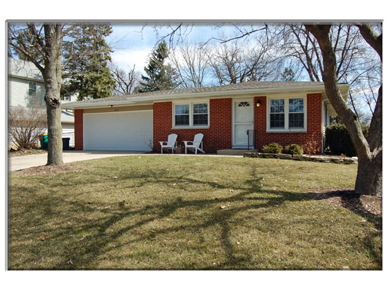 3 Bedroom Elburn, IL Home 4 Sale Presented By Peggy Cain.