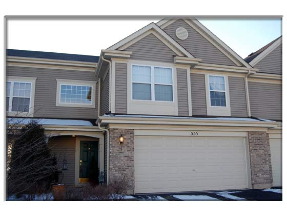 3 Bedroom Pingree Grove, IL Townhouse For Sale Presented By Peggy Cain.