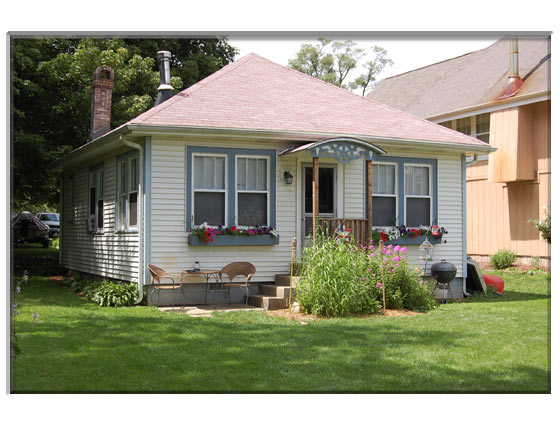 1 Bedroom St. Charles, IL Home For Sale Presented By Peggy Cain.