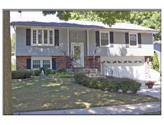 3 Bedroom Buffalo Grove, IL Home For Sale Presented By Peggy Cain.