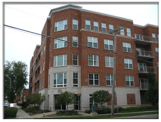 2 Bedroom Des Plaines, IL Condominium For Sale Presented By Peggy Cain.
